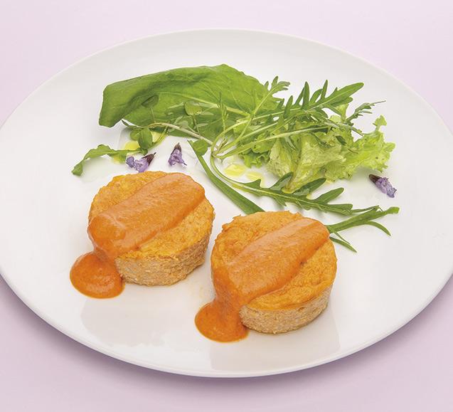 Pastel de congrio con salsa de piquillos
