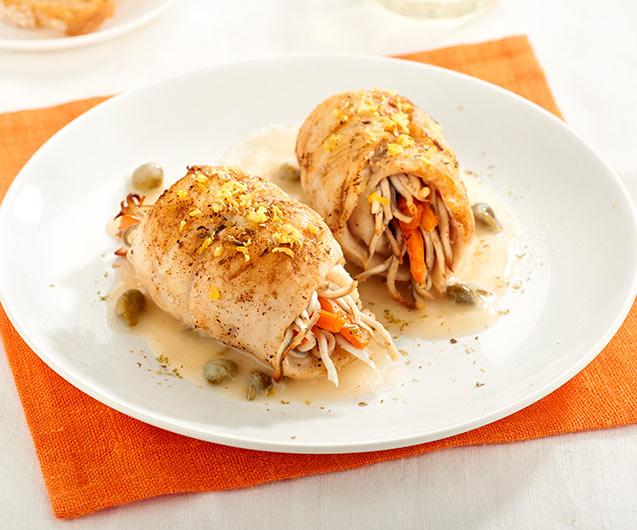 Rollitos de merluza con gulas y alcaparras