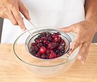 receta paso a paso postre de mango crema de yogur y frutos rojos