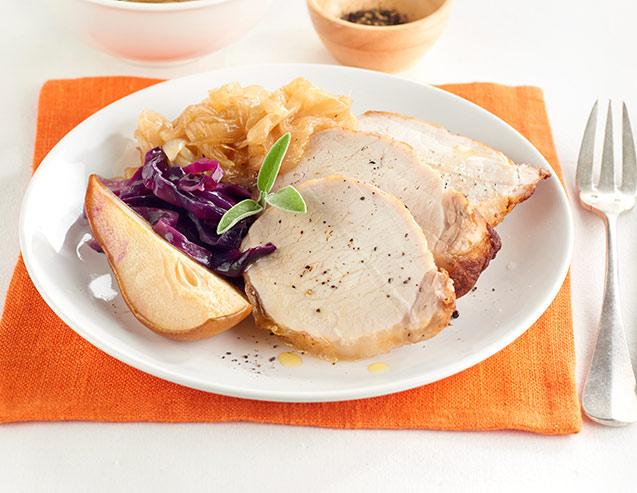 Cerdo con lombarda y cebollas caramelizadas