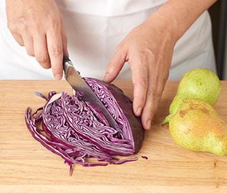 receta paso a paso cerdo con lombarda y cebollas caramelizadas