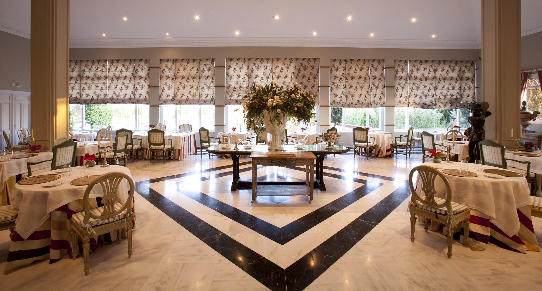120606 restaurante Tierra sala 2358
