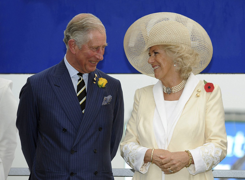 Carlos De Inglaterra Y Camilla Parker Bowles Celebran 15 Anos De Matrimonio