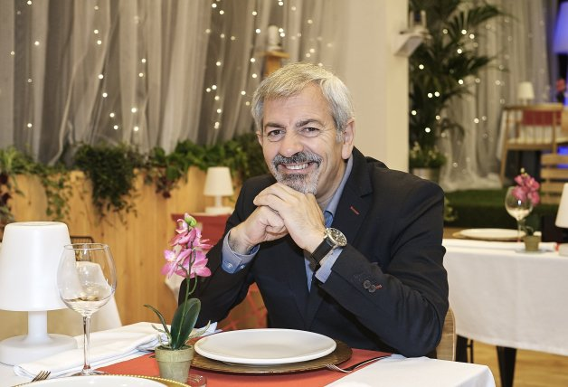 carlos sobera first dates